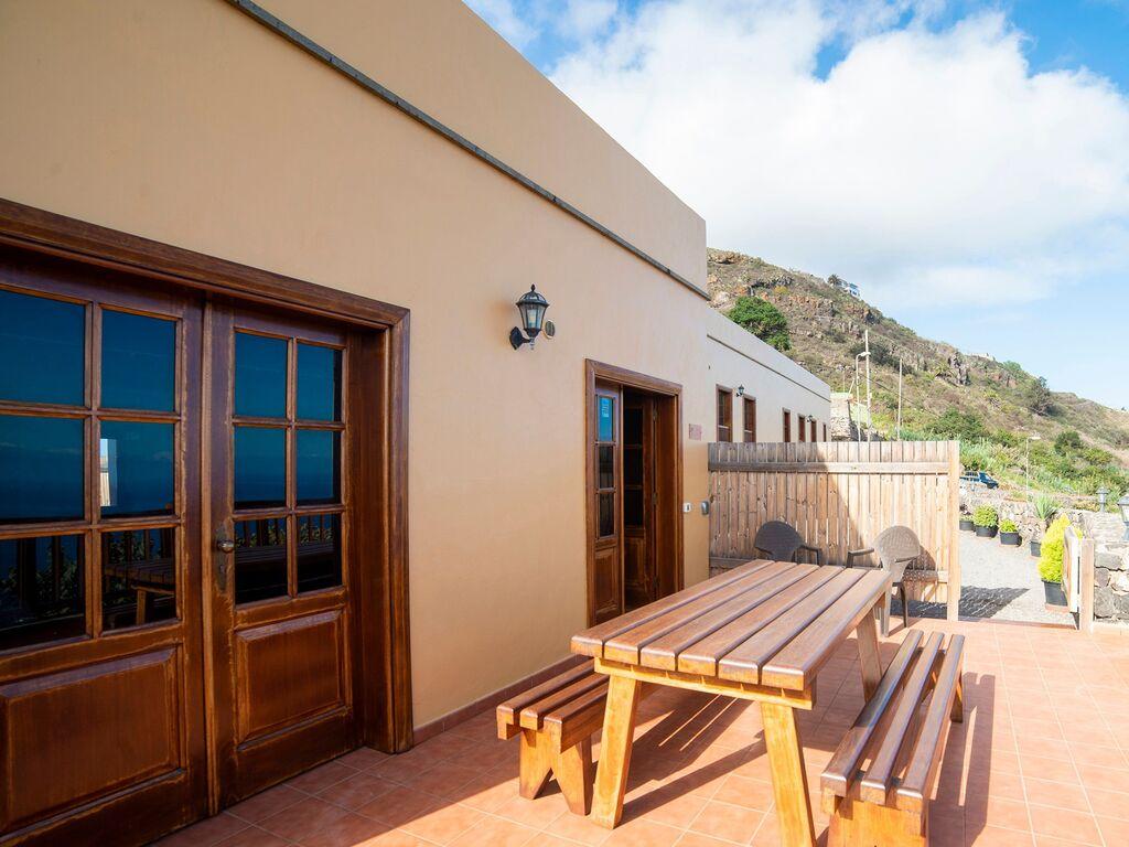 Holiday house Luxuriöses Ferienhaus auf den Kanarischen Inseln mit Garten (2373008), Icod de los Vinos, Tenerife, Canary Islands, Spain, picture 18