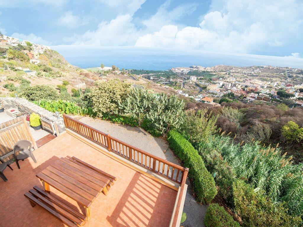 Holiday house Luxuriöses Ferienhaus auf den Kanarischen Inseln mit Garten (2373008), Icod de los Vinos, Tenerife, Canary Islands, Spain, picture 24