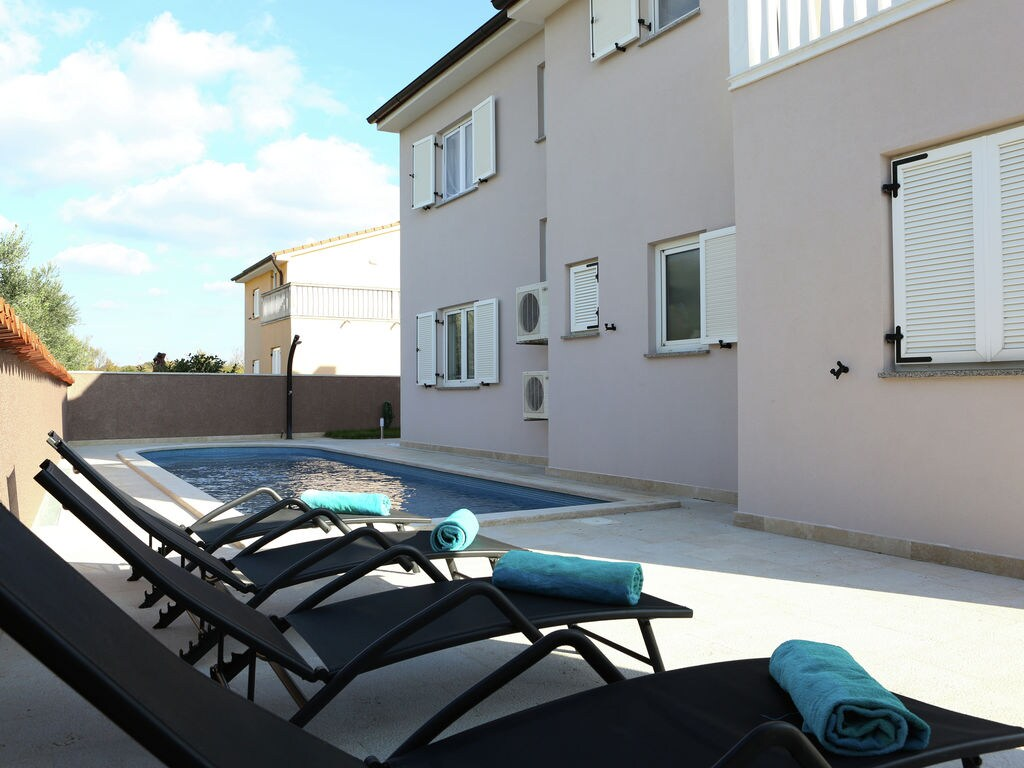 Ferienhaus Moderne Villa mit Swimmingpool in Loborika (2330592), Marcana, , Istrien, Kroatien, Bild 2