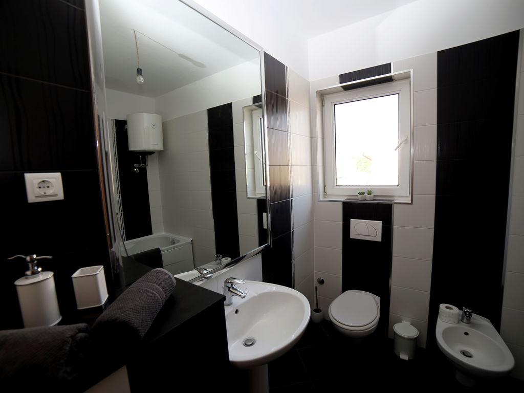 Ferienhaus Moderne Villa mit Swimmingpool in Loborika (2330592), Marcana, , Istrien, Kroatien, Bild 31