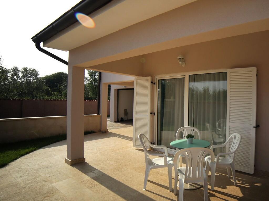 Ferienhaus Moderne Villa mit Swimmingpool in Loborika (2330592), Marcana, , Istrien, Kroatien, Bild 3