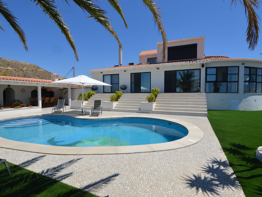Ferienhaus Luxuriöse Villa mit privatem Pool in Coveta Fumá (2448695), Coveta Fuma, Costa Blanca, Valencia, Spanien, Bild 1