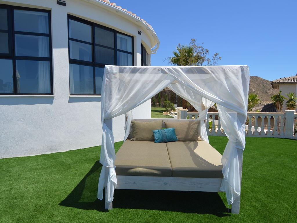 Ferienhaus Luxuriöse Villa mit privatem Pool in Coveta Fumá (2448695), Coveta Fuma, Costa Blanca, Valencia, Spanien, Bild 25