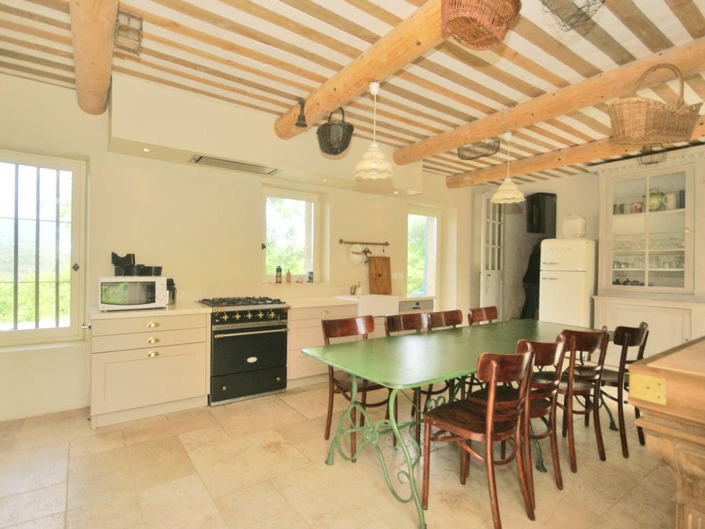 Ferienhaus Gehobene Villa in der Provence mit Terrasse und Garten (2419929), Apt, Vaucluse, Provence - Alpen - Côte d'Azur, Frankreich, Bild 12