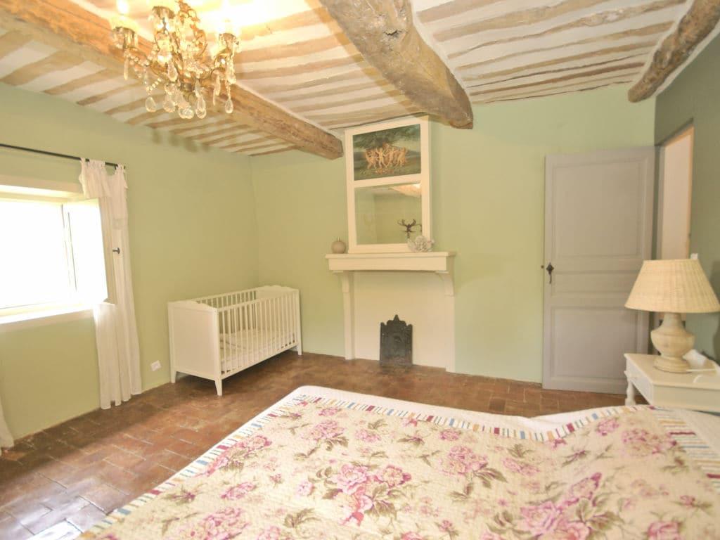 Ferienhaus Gehobene Villa in der Provence mit Terrasse und Garten (2419929), Apt, Vaucluse, Provence - Alpen - Côte d'Azur, Frankreich, Bild 22