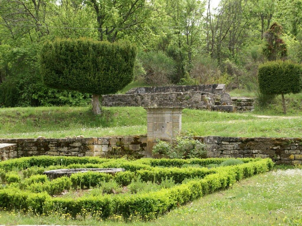 Ferienhaus Gehobene Villa in der Provence mit Terrasse und Garten (2419929), Apt, Vaucluse, Provence - Alpen - Côte d'Azur, Frankreich, Bild 5