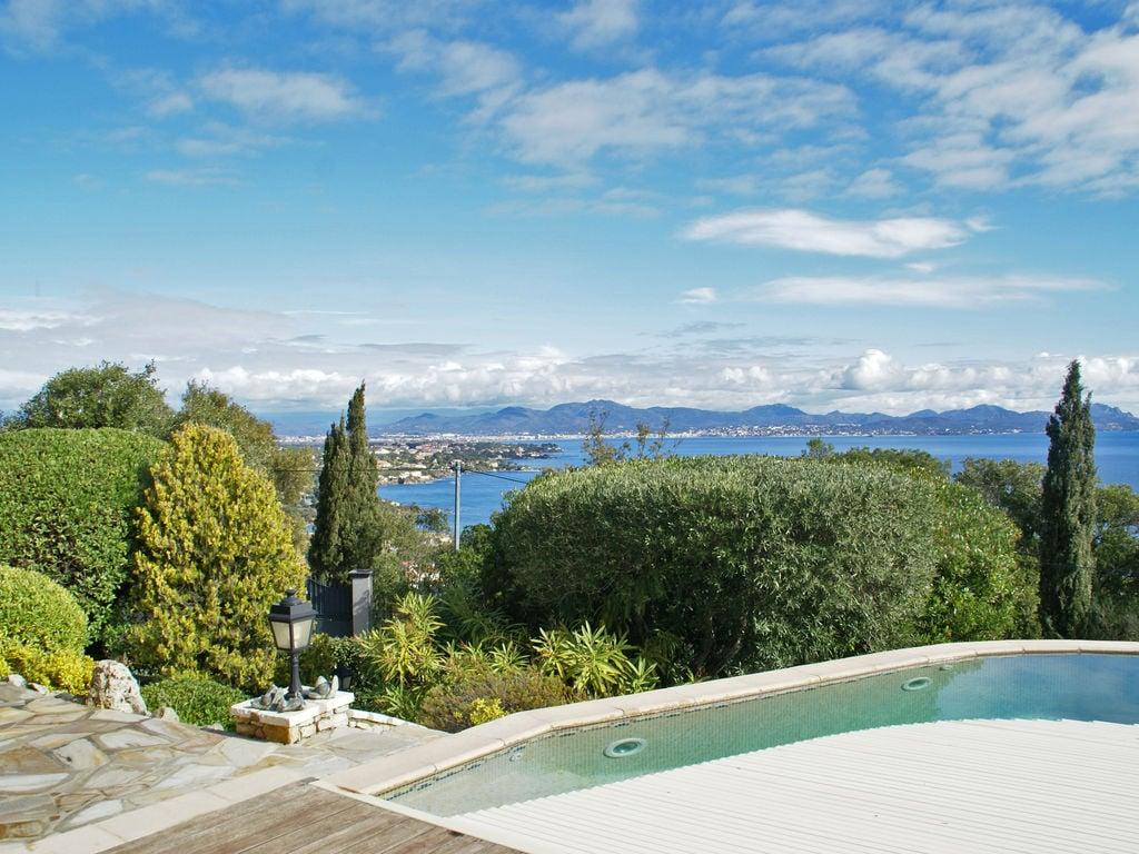 Ferienhaus Atemberaubende Villa mit Pool in Les Issambres (2410169), Les Issambres, Côte d'Azur, Provence - Alpen - Côte d'Azur, Frankreich, Bild 33
