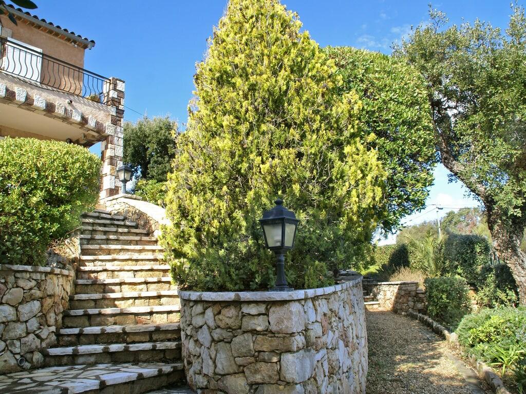 Ferienhaus Atemberaubende Villa mit Pool in Les Issambres (2410169), Les Issambres, Côte d'Azur, Provence - Alpen - Côte d'Azur, Frankreich, Bild 32