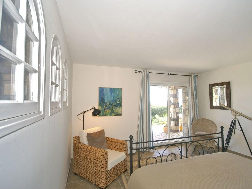 Ferienhaus Atemberaubende Villa mit Pool in Les Issambres (2410169), Les Issambres, Côte d'Azur, Provence - Alpen - Côte d'Azur, Frankreich, Bild 17