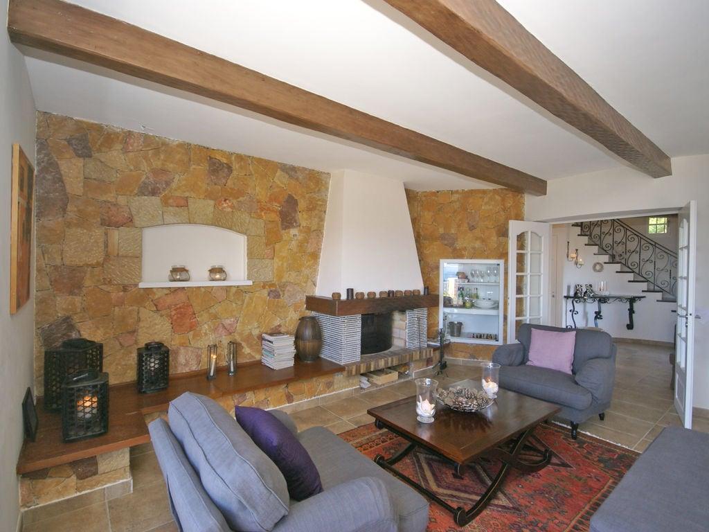 Ferienhaus Atemberaubende Villa mit Pool in Les Issambres (2410169), Les Issambres, Côte d'Azur, Provence - Alpen - Côte d'Azur, Frankreich, Bild 2