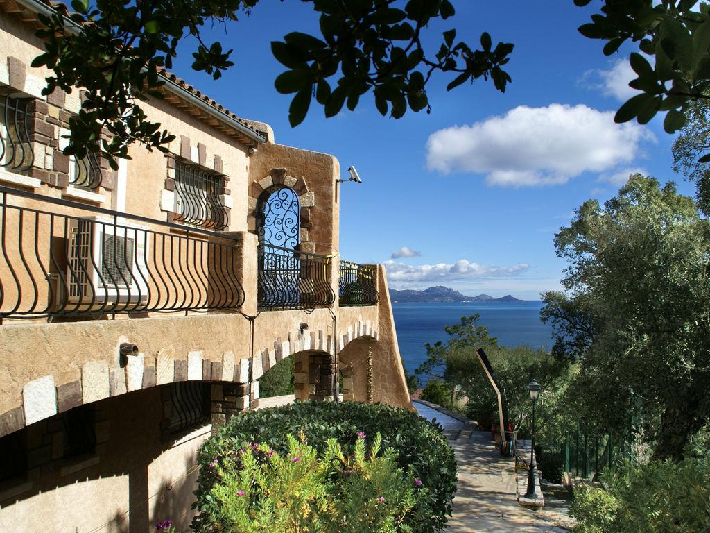 Ferienhaus Atemberaubende Villa mit Pool in Les Issambres (2410169), Les Issambres, Côte d'Azur, Provence - Alpen - Côte d'Azur, Frankreich, Bild 6