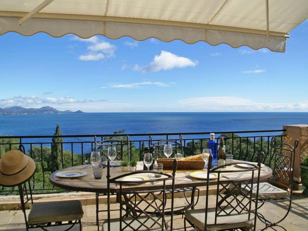 Ferienhaus Atemberaubende Villa mit Pool in Les Issambres (2410169), Les Issambres, Côte d'Azur, Provence - Alpen - Côte d'Azur, Frankreich, Bild 27