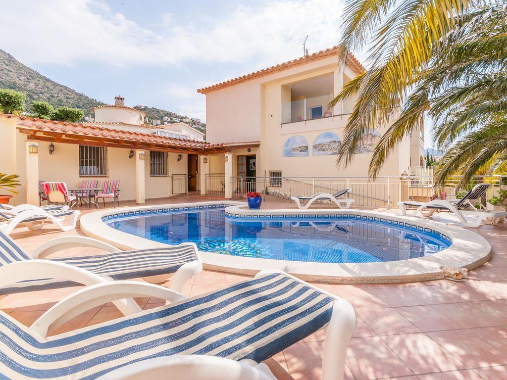 Ferienhaus Gemütliche Villa in Roses mit eigenem Pool (2432164), El Mas Fumats, Costa Brava, Katalonien, Spanien, Bild 3