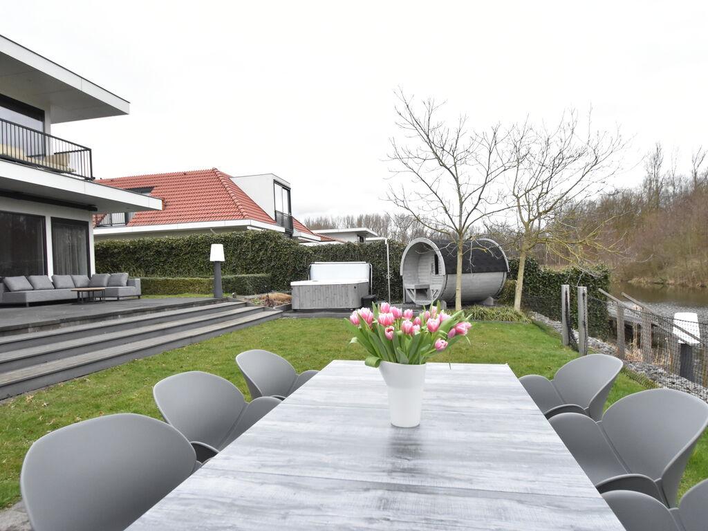 Ferienhaus Moderne Villa in Harderwijk mit Sauna und Whirlpool (2438369), Zeewolde, , Flevoland, Niederlande, Bild 30