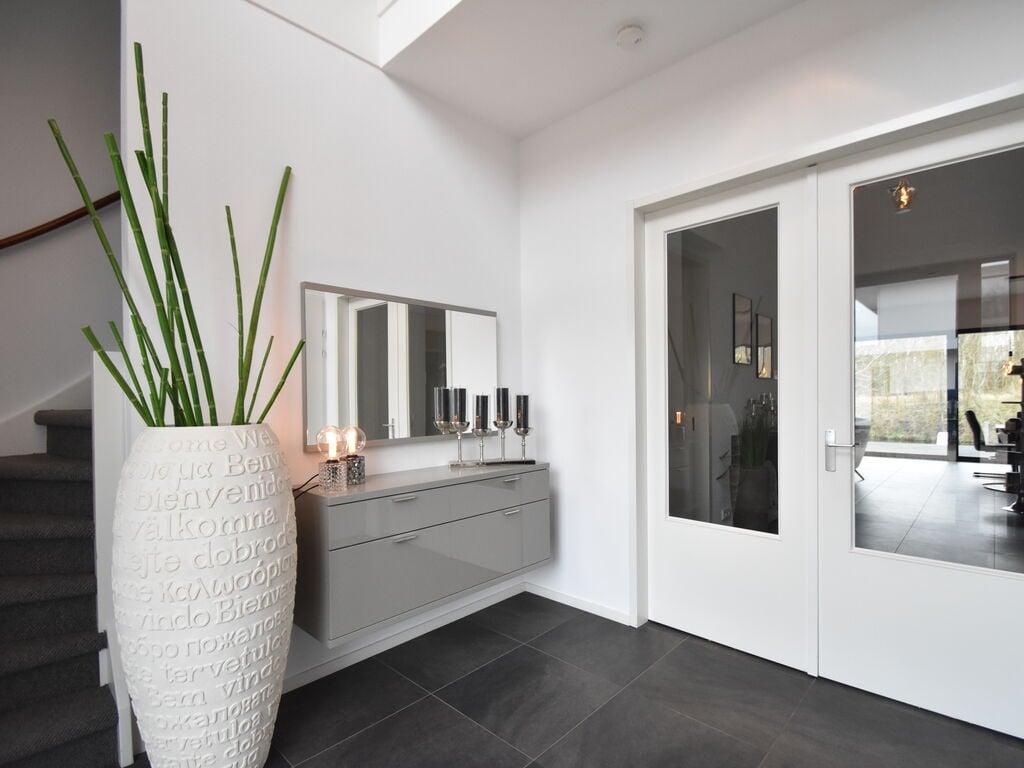Ferienhaus Moderne Villa in Harderwijk mit Sauna und Whirlpool (2438369), Zeewolde, , Flevoland, Niederlande, Bild 18