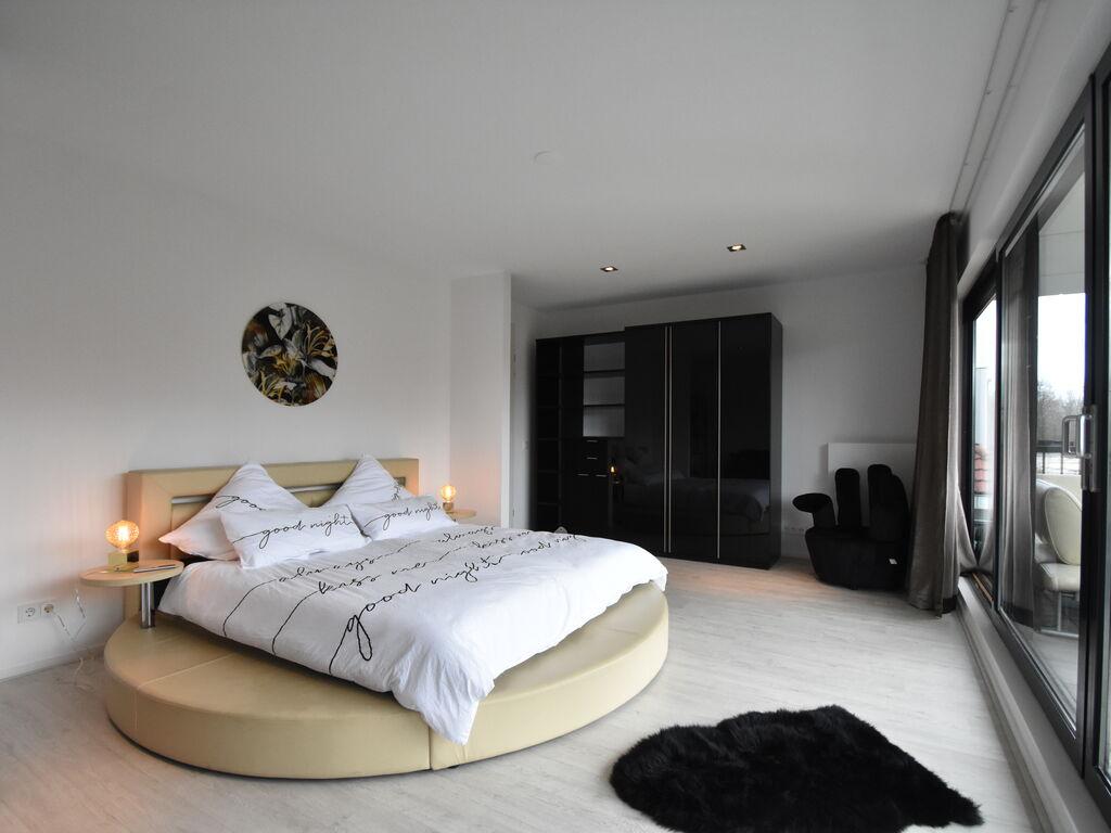 Ferienhaus Moderne Villa in Harderwijk mit Sauna und Whirlpool (2438369), Zeewolde, , Flevoland, Niederlande, Bild 20