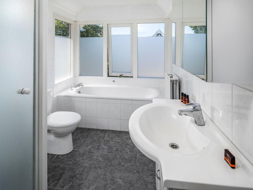 Ferienhaus Renovierte Villa mit Spülmaschine, nahe am Grevelingenmeer (2470756), Bruinisse, , Seeland, Niederlande, Bild 10