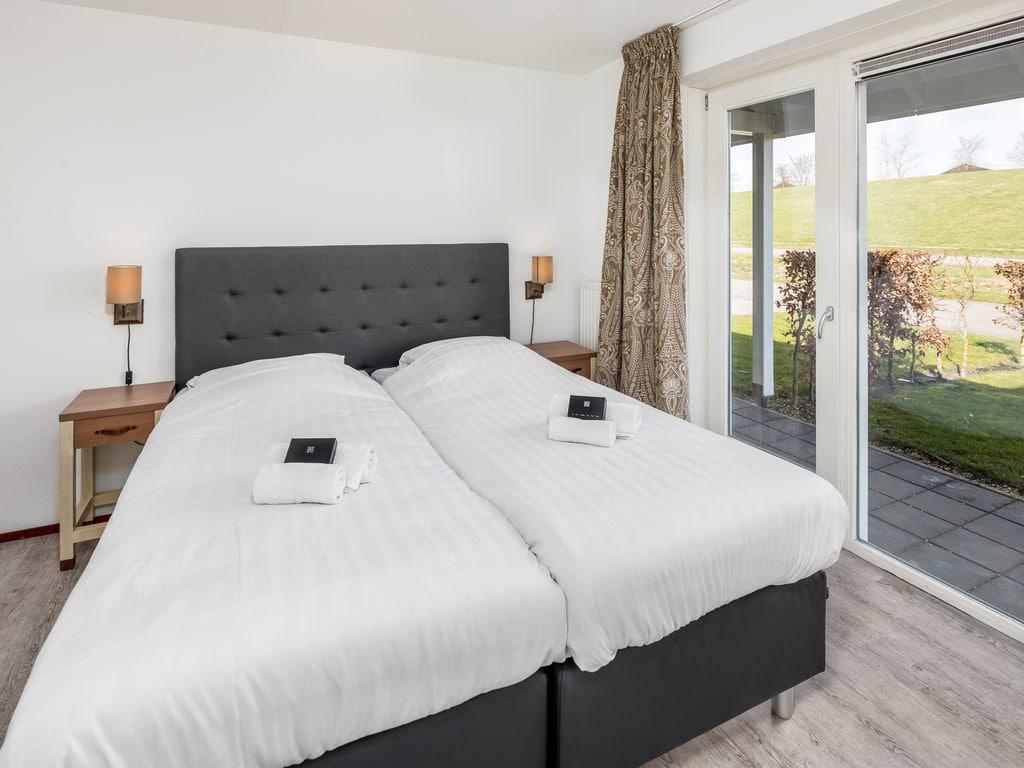 Ferienhaus Renovierte Villa mit 4 Badezimmern nahe am Grevelingenmeer (2489213), Bruinisse, , Seeland, Niederlande, Bild 8