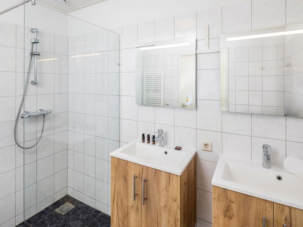 Ferienhaus Renovierte Villa mit 4 Badezimmern nahe am Grevelingenmeer (2489213), Bruinisse, , Seeland, Niederlande, Bild 10
