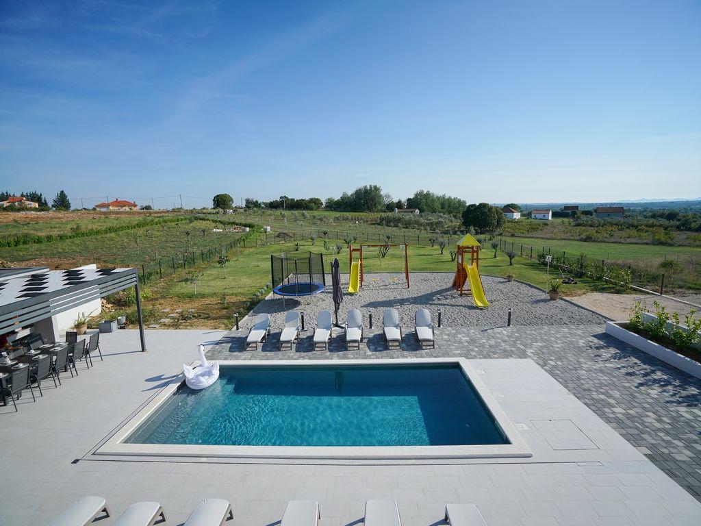 Luxury villa Orijana Ferienhaus