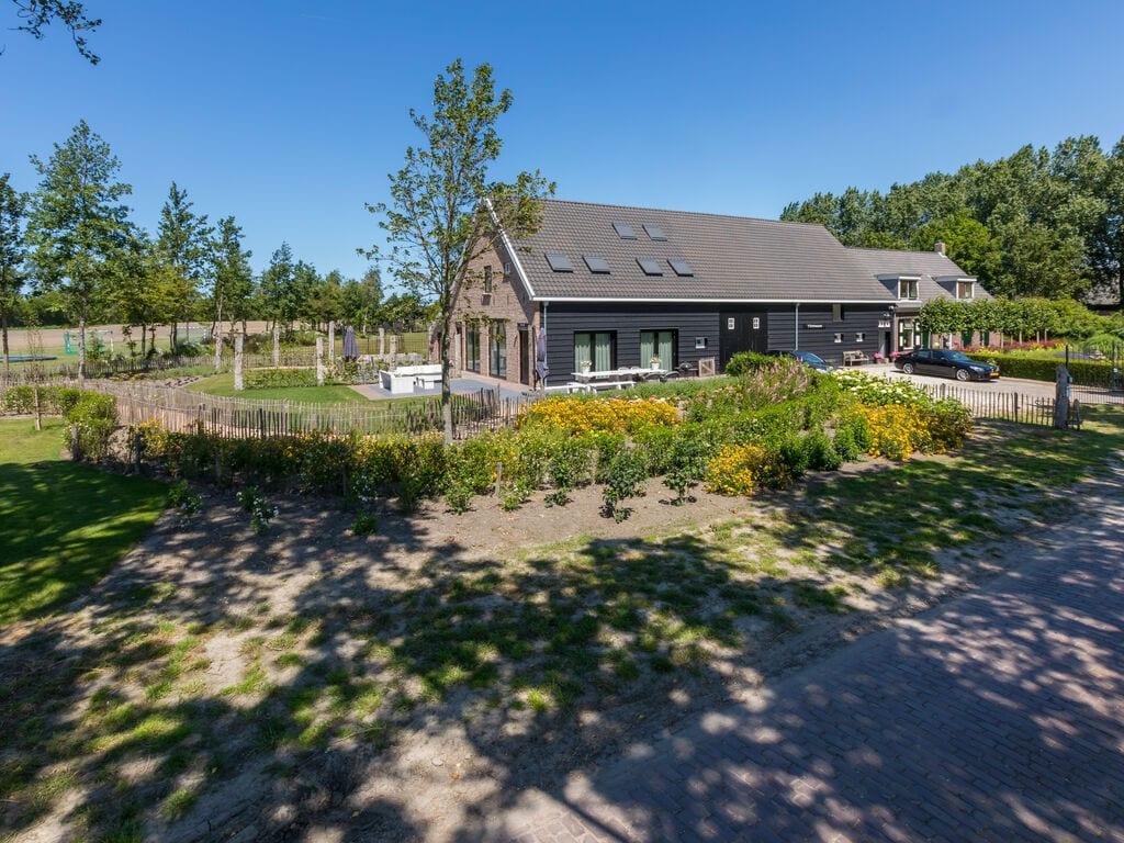 Ferienhaus Atemberaubendes Herrenhaus in Seeland mit Garten (2464954), Vrouwenpolder, , Seeland, Niederlande, Bild 4
