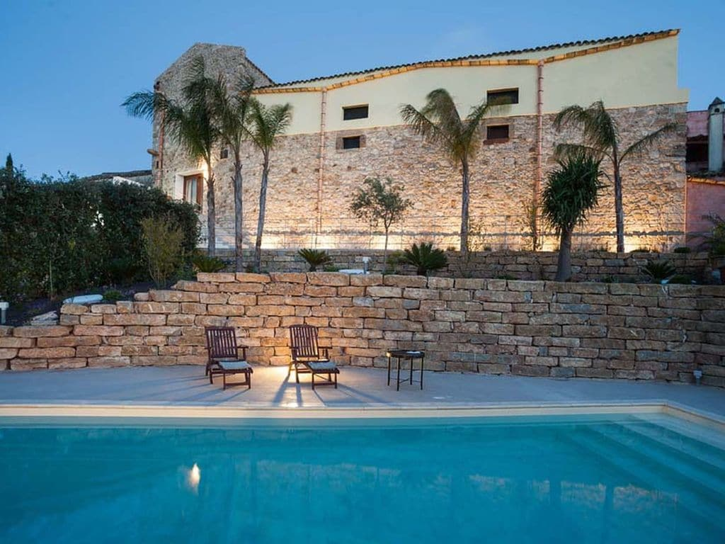 Holiday house Luxuriöses Ferienhaus in Buseto Palizzolo mit Swimmingpool (2492211), Buseto Palizzolo, Trapani, Sicily, Italy, picture 1