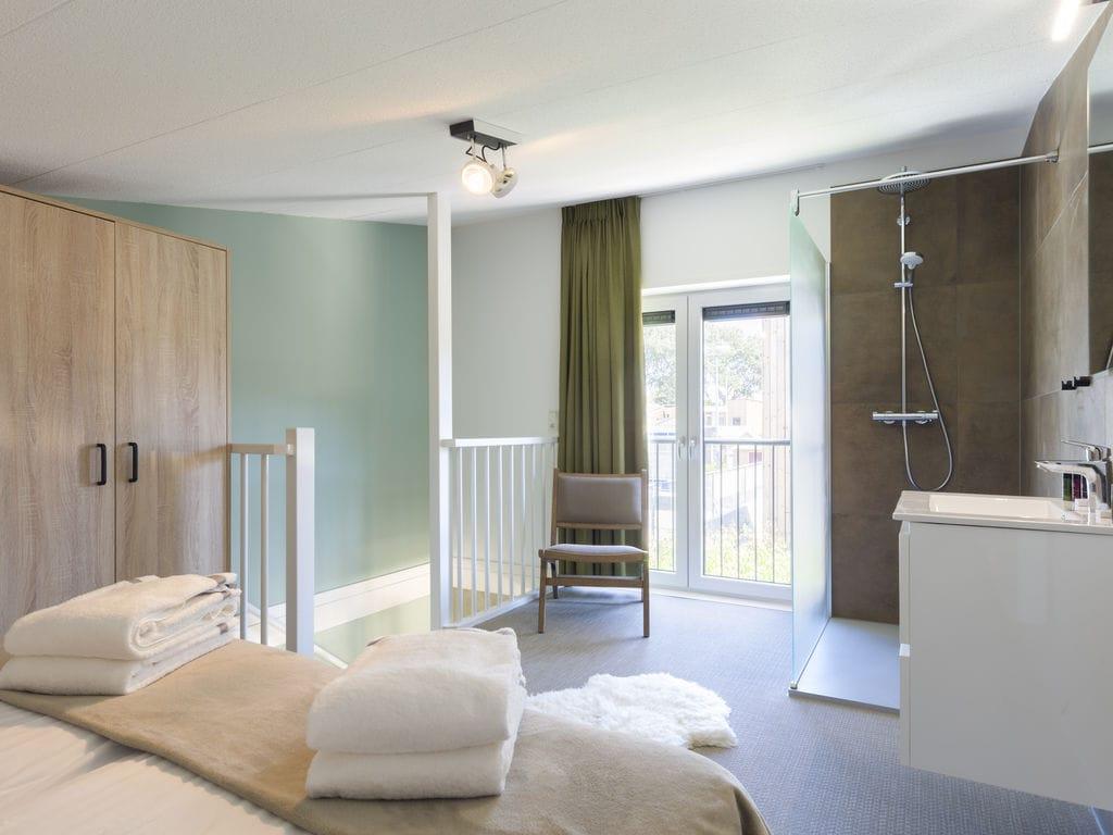 Ferienhaus Luxuriöse Lodge mit 2 Badezimmern, nur 200m vom Strand (2470755), Vlissingen, , Seeland, Niederlande, Bild 8