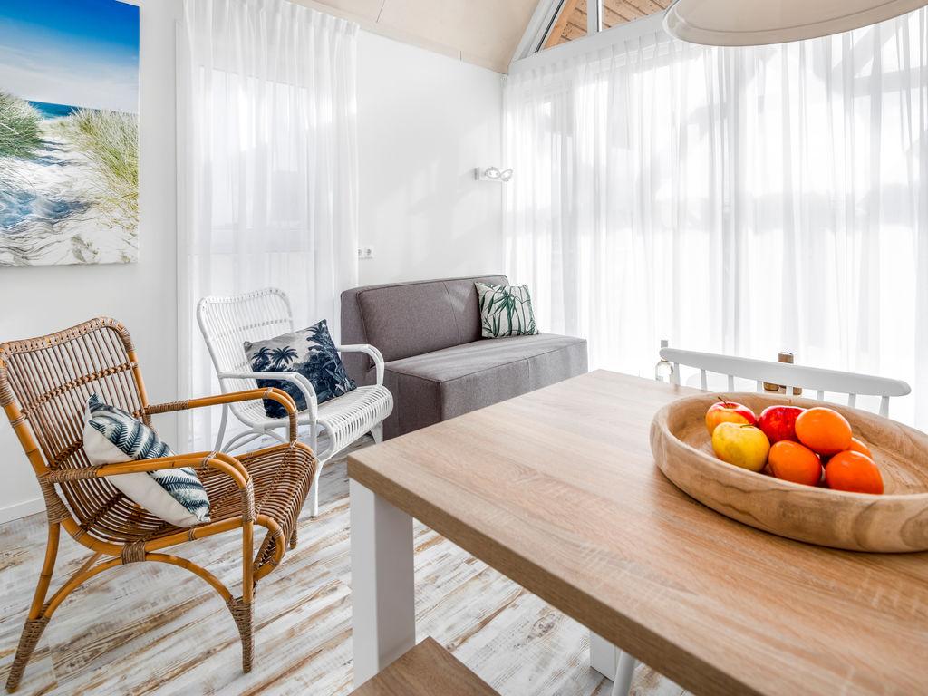 Ferienhaus Moderne Lodge mit Kombi-Mikrowelle, 500 m vom Strand entf. (2512090), Nieuwvliet, , Seeland, Niederlande, Bild 3