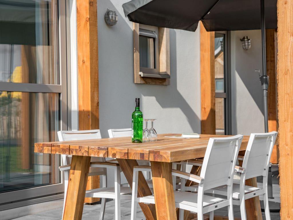 Ferienhaus Moderne Lodge mit Kombi-Mikrowelle, 500 m vom Strand entf. (2512090), Nieuwvliet, , Seeland, Niederlande, Bild 11