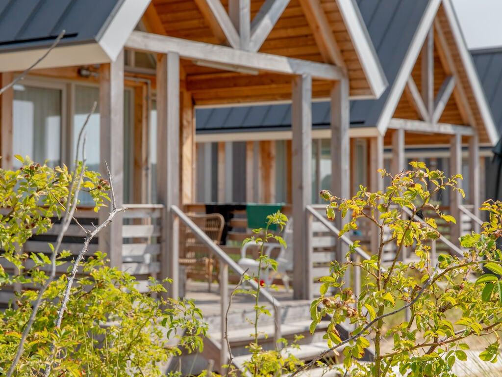 Ferienhaus Moderne Lodge mit Kombi-Mikrowelle, 500 m vom Strand entf. (2512090), Nieuwvliet, , Seeland, Niederlande, Bild 13