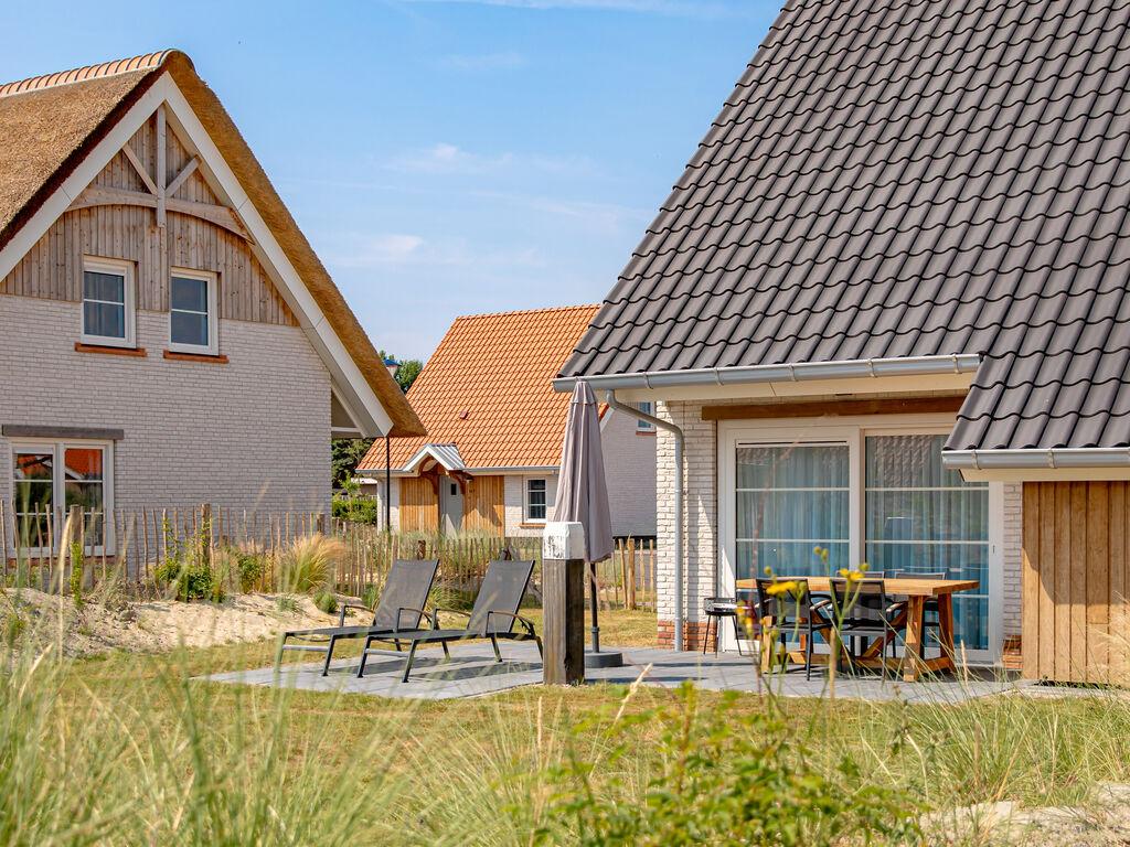 Ferienhaus Moderne Lodge mit Kombi-Mikrowelle, 500 m vom Strand entf. (2512090), Nieuwvliet, , Seeland, Niederlande, Bild 14