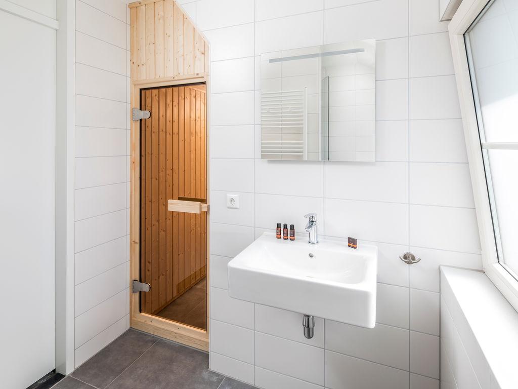 Ferienhaus Luxuriöse Villa mit Geschirrspüler, nur 500 m vom Meer entf. (2512091), Nieuwvliet, , Seeland, Niederlande, Bild 7