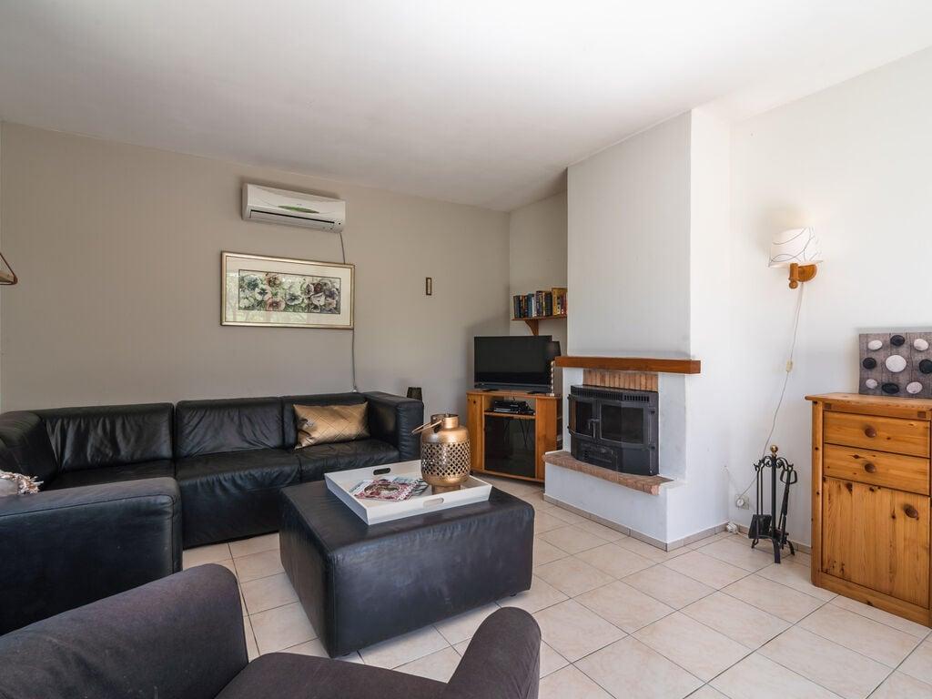 Maison de vacances Geräumige Villa mit privatem Pool in Montbrun-des-Corbières (2535364), Azille, Aude intérieur, Languedoc-Roussillon, France, image 16