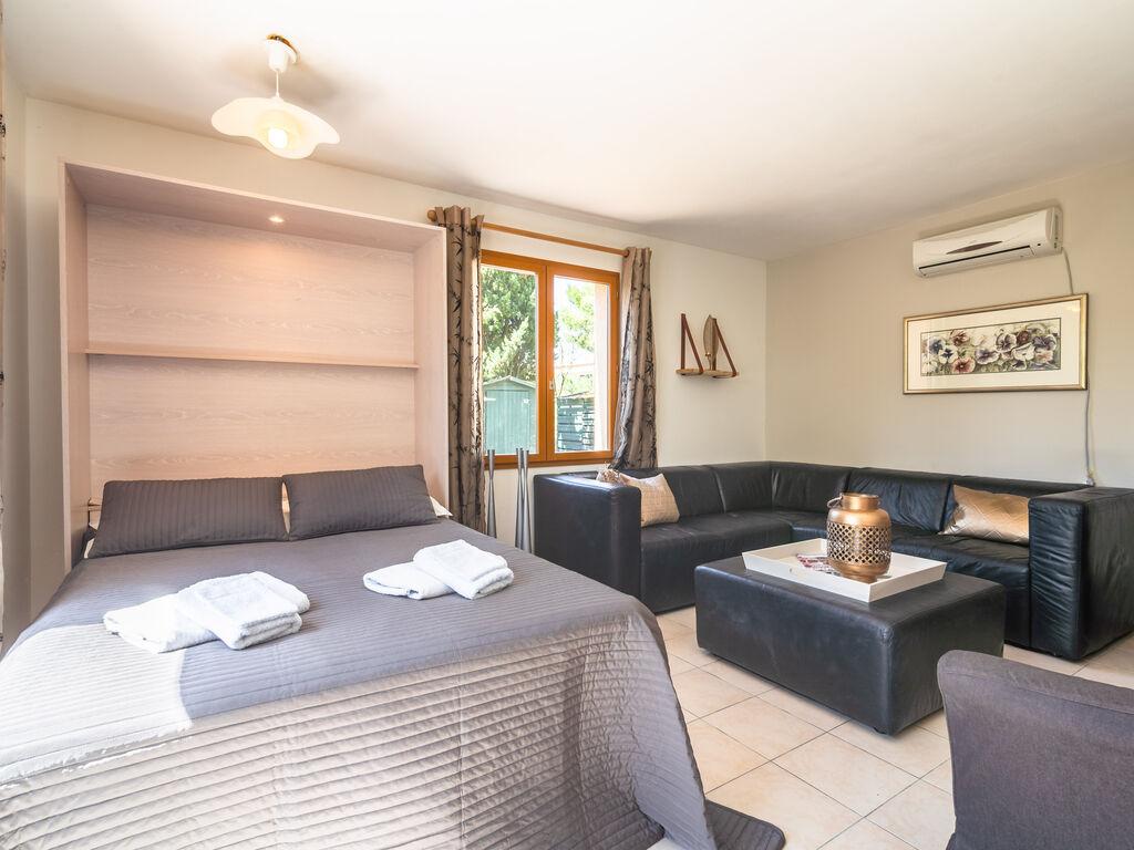 Maison de vacances Geräumige Villa mit privatem Pool in Montbrun-des-Corbières (2535364), Azille, Aude intérieur, Languedoc-Roussillon, France, image 21