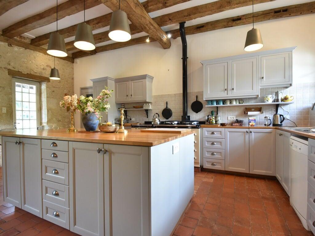 Maison de vacances Luxuriöses Landhaus mit Swimmingpool in Aquitanien (2615461), Pineuilh, Gironde, Aquitaine, France, image 11