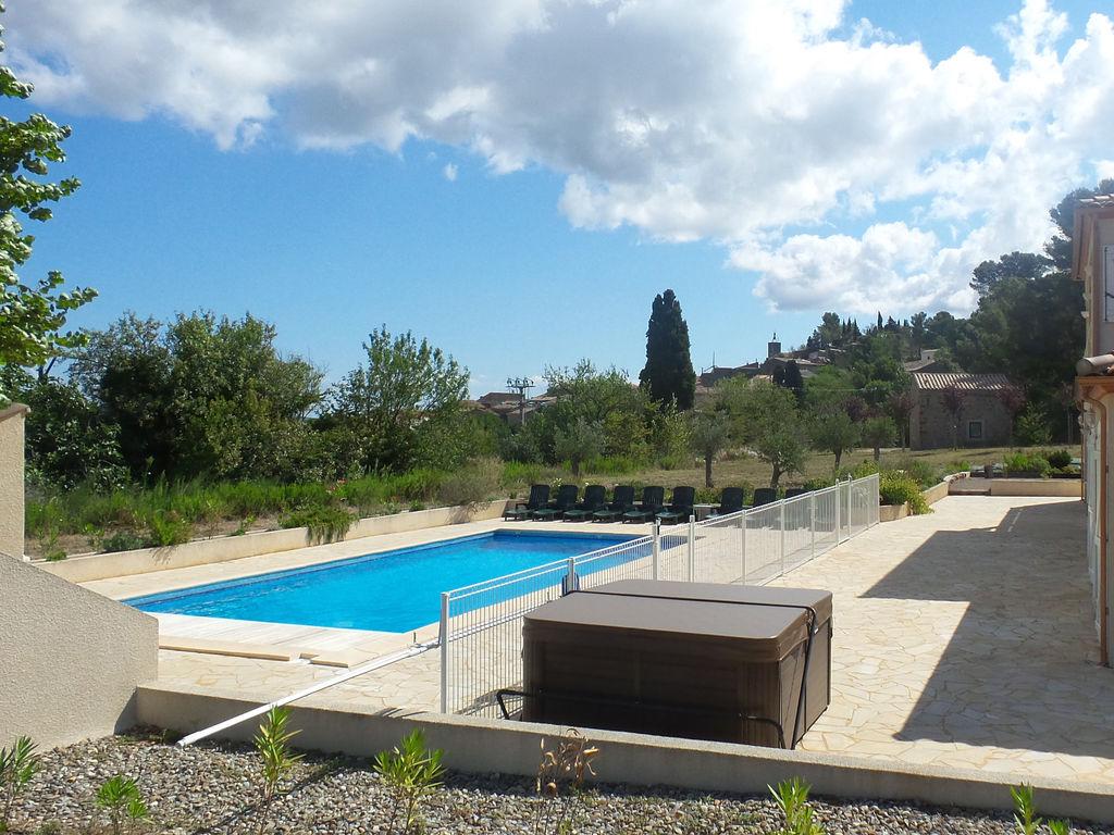 Maison de vacances Luxusvilla mit Jacuzzi in Montbrun-des-Corbieres (2542394), Azille, Aude intérieur, Languedoc-Roussillon, France, image 2