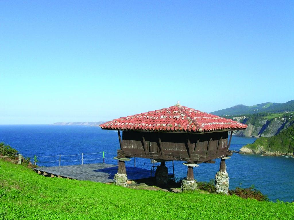 Ferienwohnung Großzügige Ferienwohnung mit Terrasse in Galicien (2557984), Portonovo, Rias Bajas, Galicien, Spanien, Bild 13