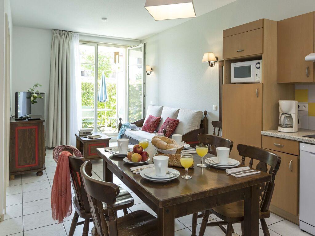 Holiday apartment Malerische Wohnung mit Geschirrspüler an einem ruhigen Ort (2570208), Bergheim (FR), Haut-Rhin, Alsace, France, picture 4