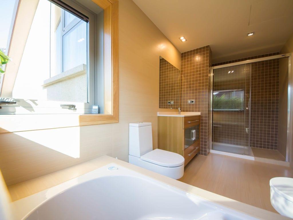 Ferienhaus Luxuriöses Ferienhaus mit Swimmingpool in Sanxenxo, Galicien (2571386), Adina, Rias Bajas, Galicien, Spanien, Bild 21