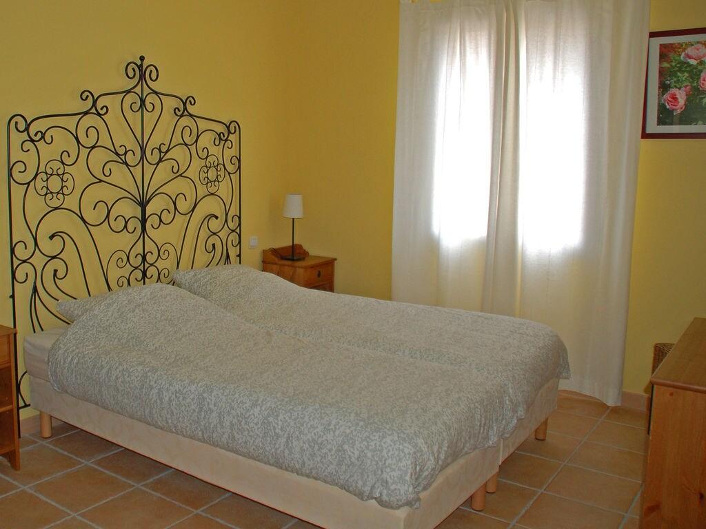 Maison de vacances Komfortable Villa mit Jacuzzi in Montburn-des-Corbieres (2597006), Azille, Aude intérieur, Languedoc-Roussillon, France, image 14