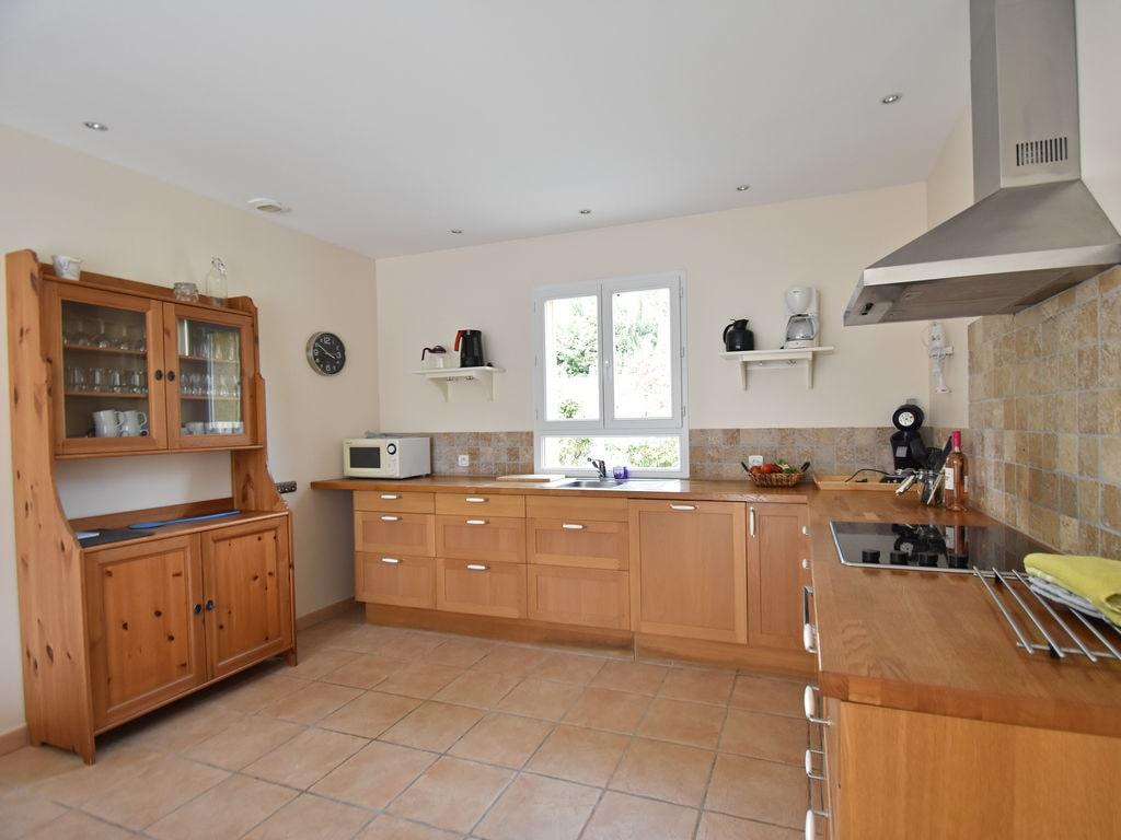 Maison de vacances Komfortable Villa mit Jacuzzi in Montburn-des-Corbieres (2597006), Azille, Aude intérieur, Languedoc-Roussillon, France, image 13