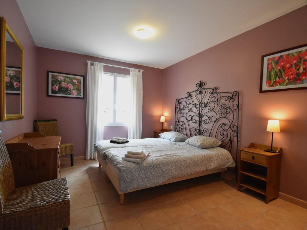 Maison de vacances Komfortable Villa mit Jacuzzi in Montburn-des-Corbieres (2597006), Azille, Aude intérieur, Languedoc-Roussillon, France, image 15