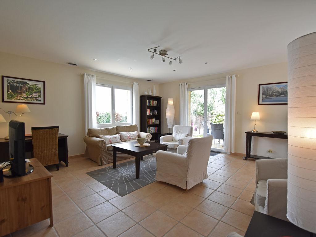 Maison de vacances Komfortable Villa mit Jacuzzi in Montburn-des-Corbieres (2597006), Azille, Aude intérieur, Languedoc-Roussillon, France, image 8