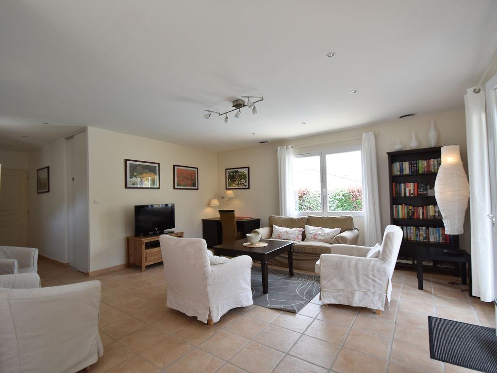 Maison de vacances Komfortable Villa mit Jacuzzi in Montburn-des-Corbieres (2597006), Azille, Aude intérieur, Languedoc-Roussillon, France, image 9