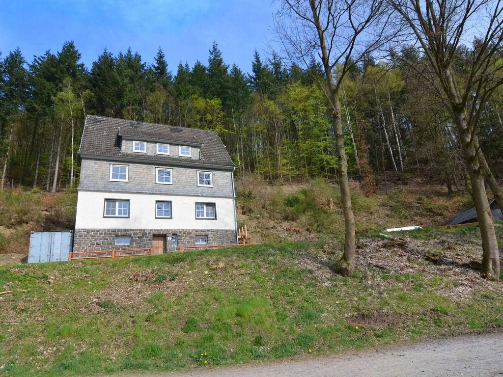 Idyllisches Ferienhaus im Wald in Liesen Ferienhaus in Deutschland