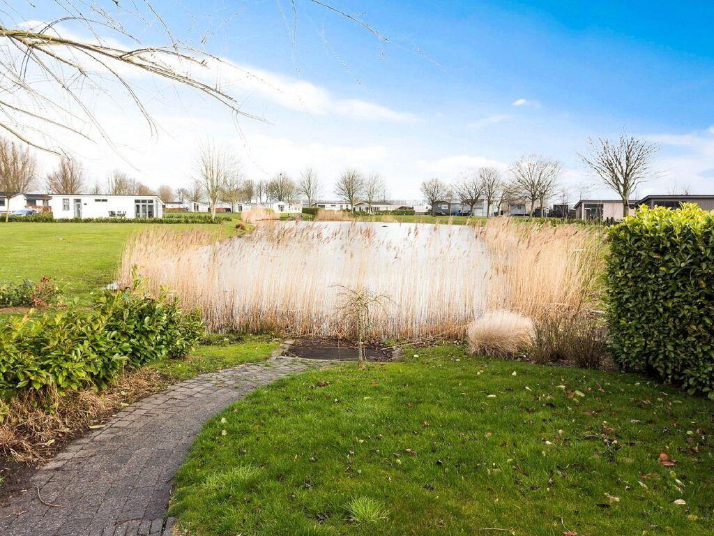 Ferienhaus Gut ausgestattetes Chalet mit Mikrowelle, in Wassernähe (2652663), Aalst (NL), Rivierenland, Gelderland, Niederlande, Bild 8