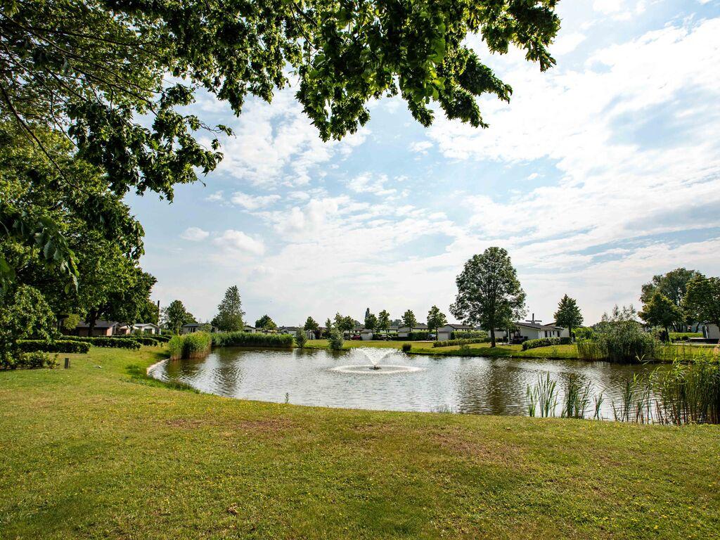 Ferienhaus Gut ausgestattetes Chalet mit Mikrowelle, in Wassernähe (2652663), Aalst (NL), Rivierenland, Gelderland, Niederlande, Bild 26