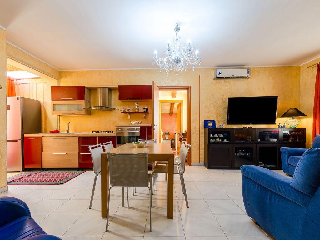 Maison de vacances Schönes Ferienhaus in Catania mit Grill (2774549), Villa Caruso, Catania, Sicile, Italie, image 10