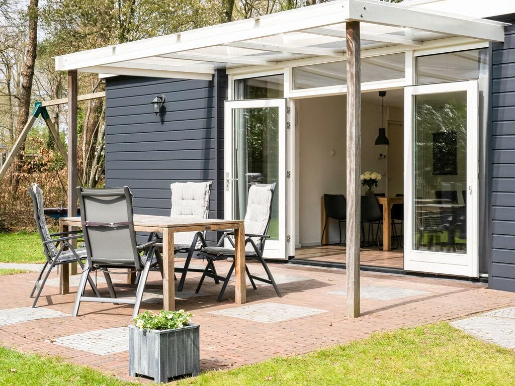 Ferienhaus Abgelegener Bungalow in Laag-Soeren mit Garten (2752818), Laag Soeren, Veluwe, Gelderland, Niederlande, Bild 4