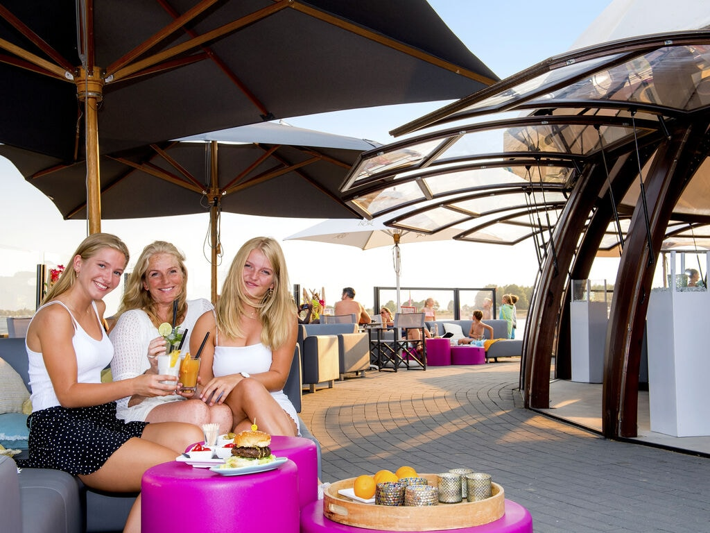 Ferienhaus Luxuriöse Villa mit Außenküche und Aussicht auf einen Freizeitsee (2752950), Maurik, Rivierenland, Gelderland, Niederlande, Bild 29